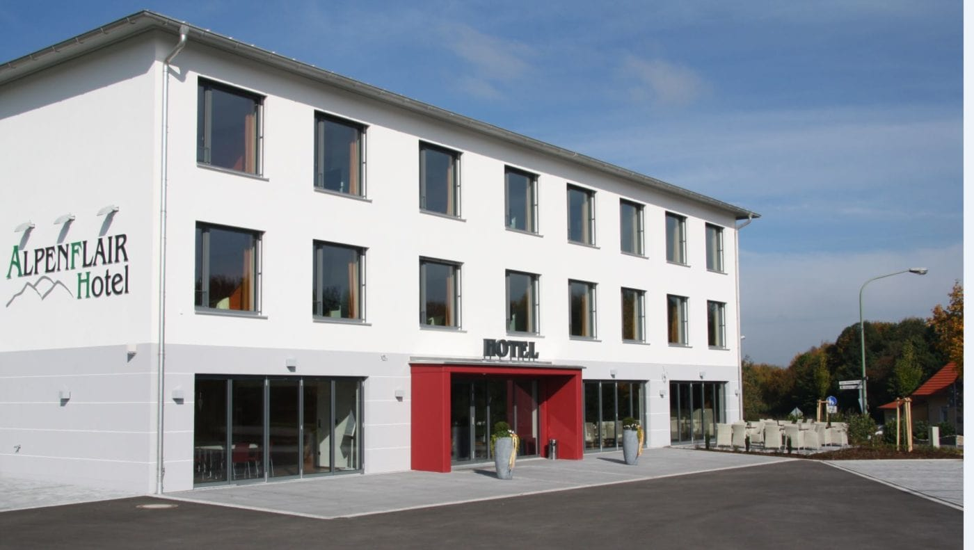 Alpenflair Hotel Buchloe Außenansicht