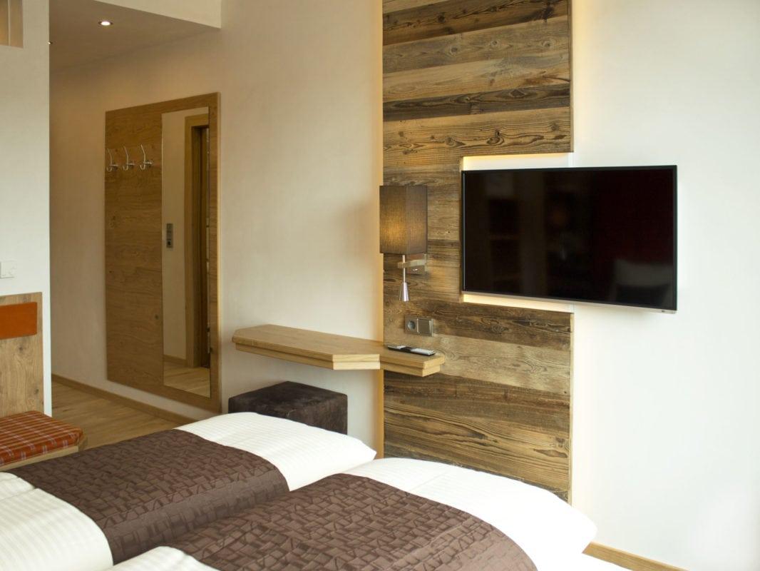 Alpenflair Hotel Buchloe Zimmer mit Fernseher