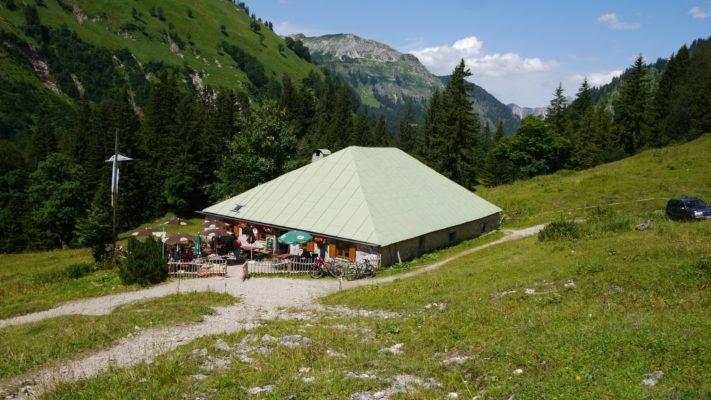 Blick auf Alpe Bärgündle
