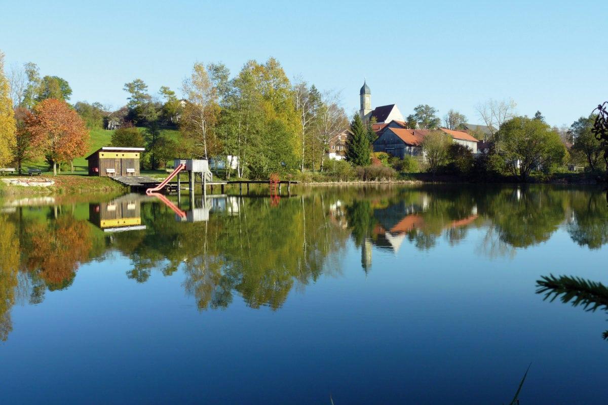Blick auf Rettenbach am Auerberg