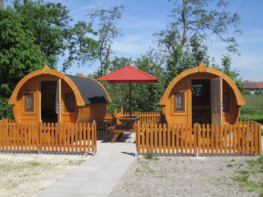 Holzhäuser (Camping Gutshof Donauried)