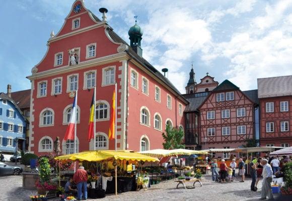Ettenheim Markt vor dem Rathaus