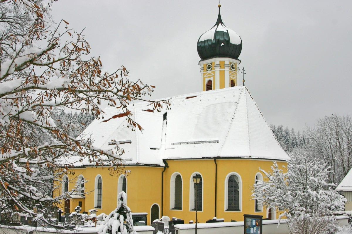 Lautrach Pfarrkirche St. Peter und Paul