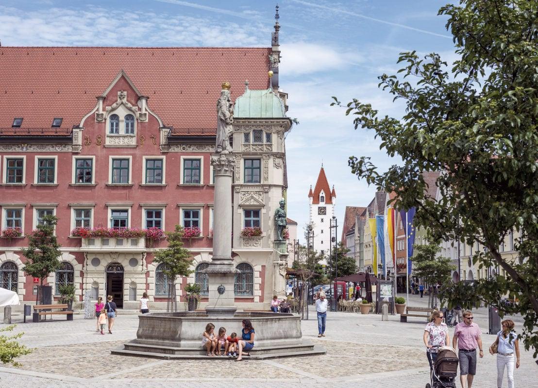 Mindelheim Marienplatz und Rathaus
