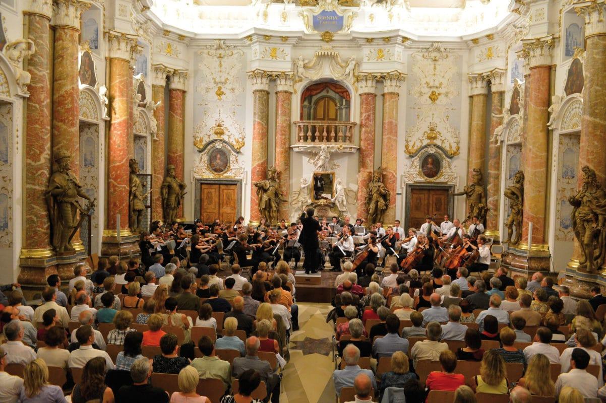 Ottobeuren Kaisersaal der Benediktinerabtei mit Konzert