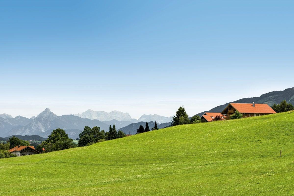 Oy-Mittelberg Dorfidylle Bergpanorama