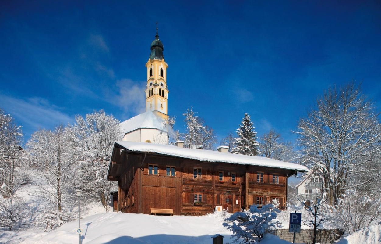 Pfronten Kirche St. Nikolaus und Heimathaus