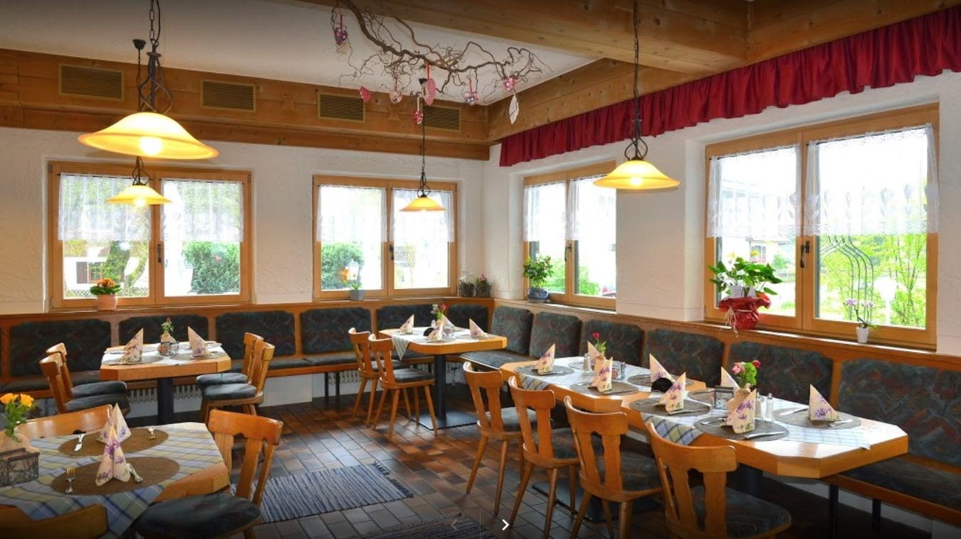 Restaurant Bergfrieden Fischen (Gastraum)