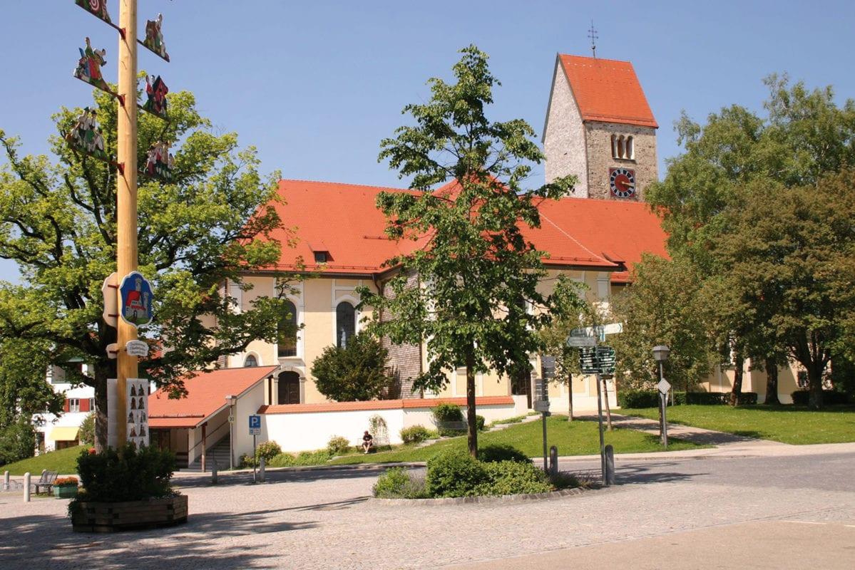 Wiggensbach Marktplatz Kirche